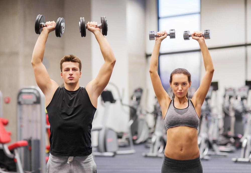 allenamenti veloci in palestra che bruciano i grassi