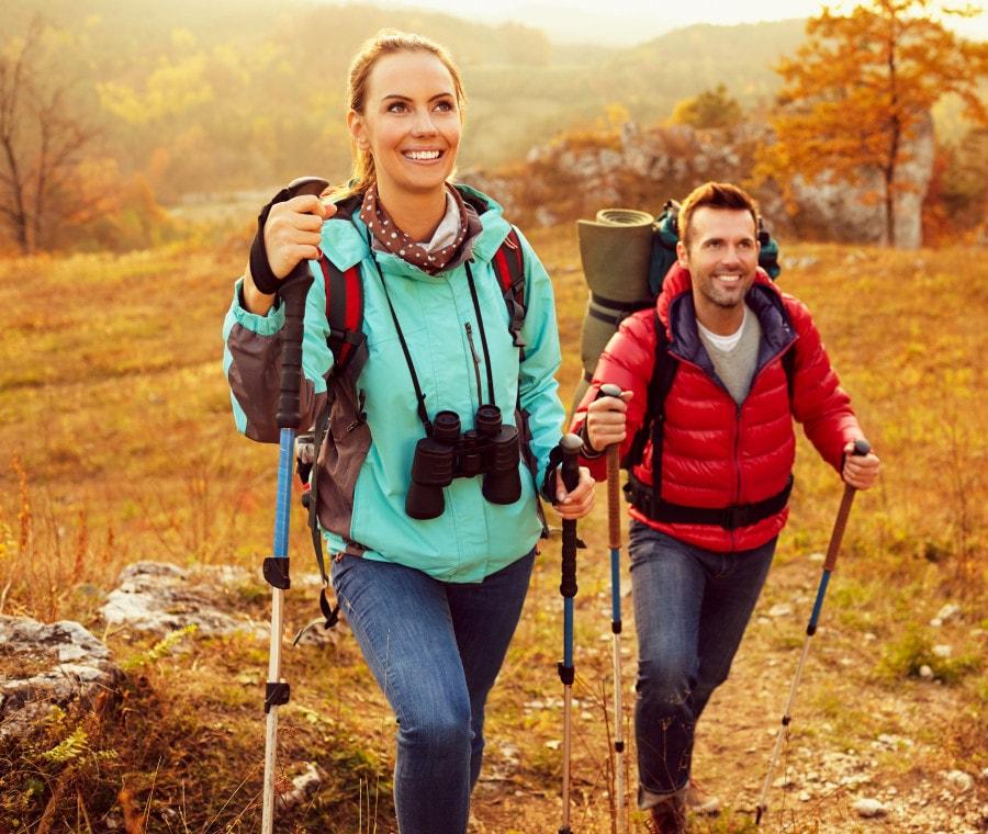Nordic Walking: tecniche, benefici ed equipaggiamento adatto