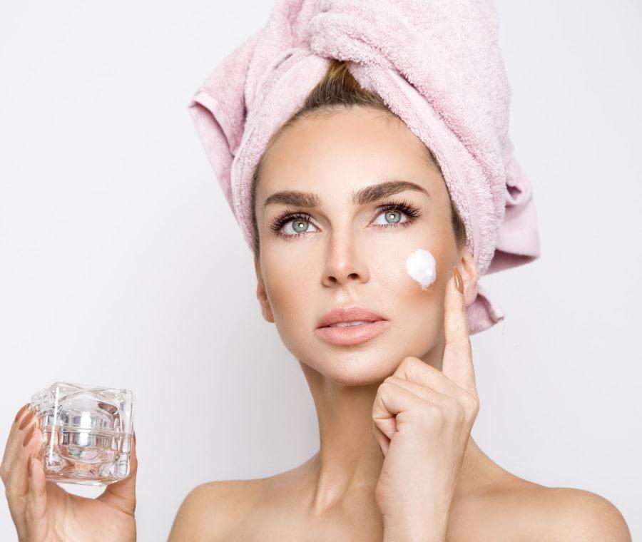 Crema viso all'acido ialuronico: quale scegliere