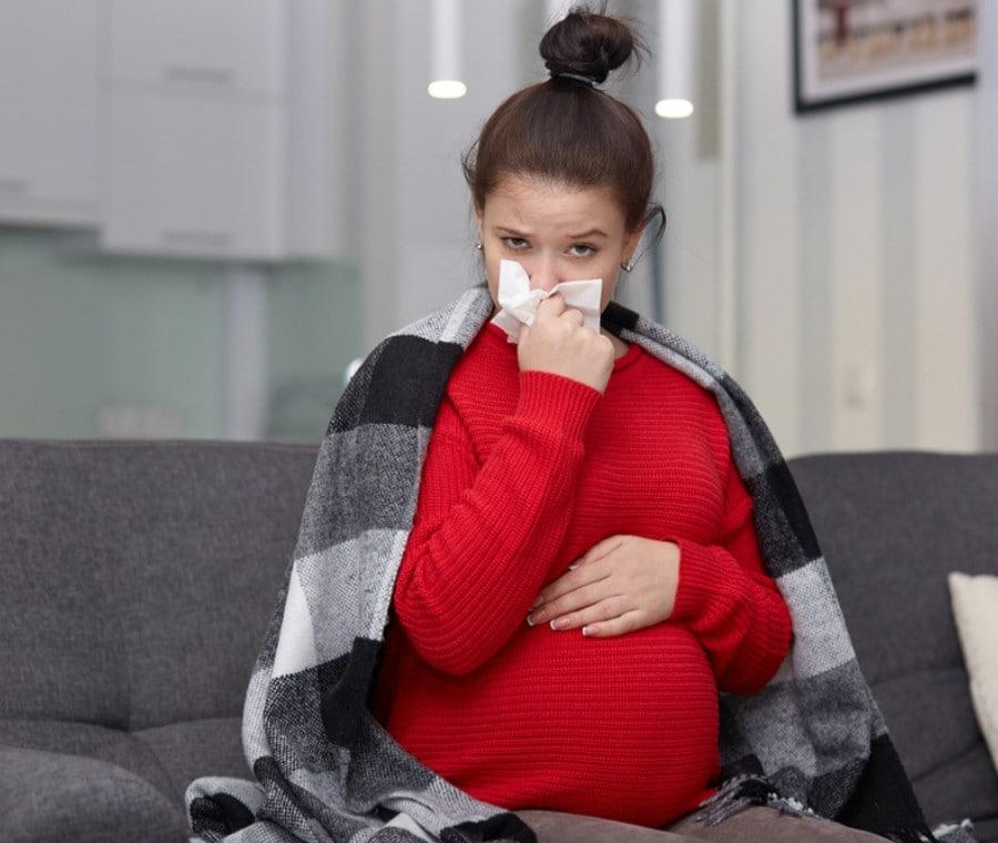 Raffreddore in Gravidanza: Cure e Rimedi