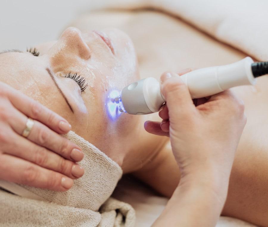 Eliminare borse, occhiaie e rughe con i migliori massaggiatori per occhi