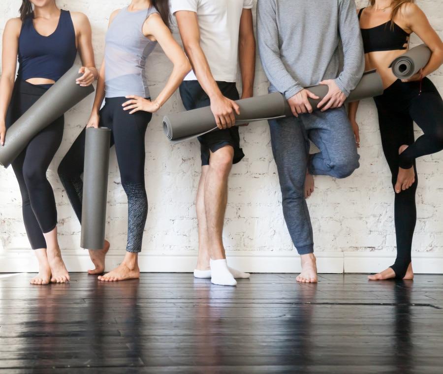 Abbigliamento e accessori per lo yoga da comprare