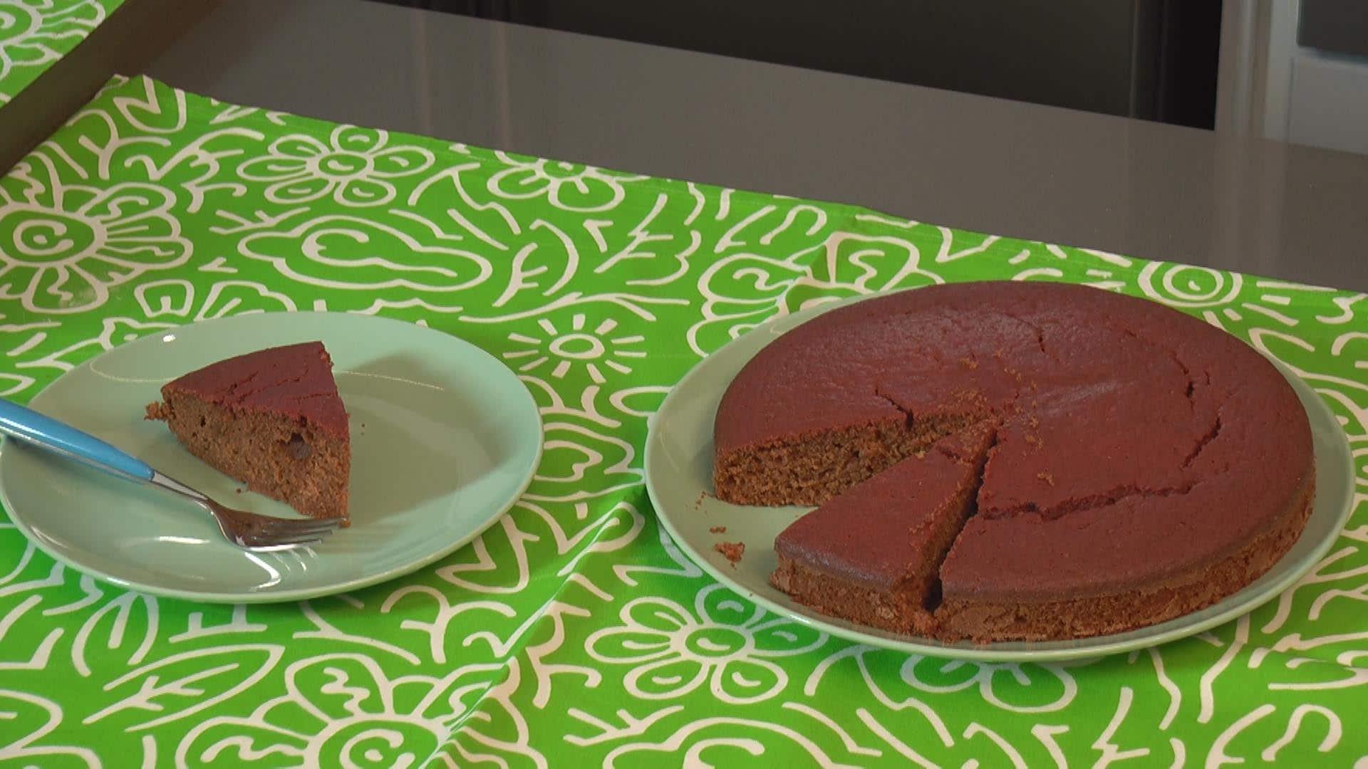 Foto Torta con succo di barbabietola e kefir