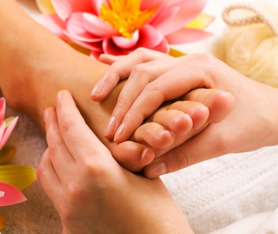 Tecniche e benefici dei massaggi ai piedi