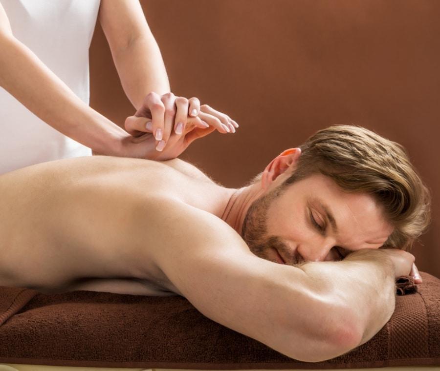 erezione durante il massaggio negli uomini)