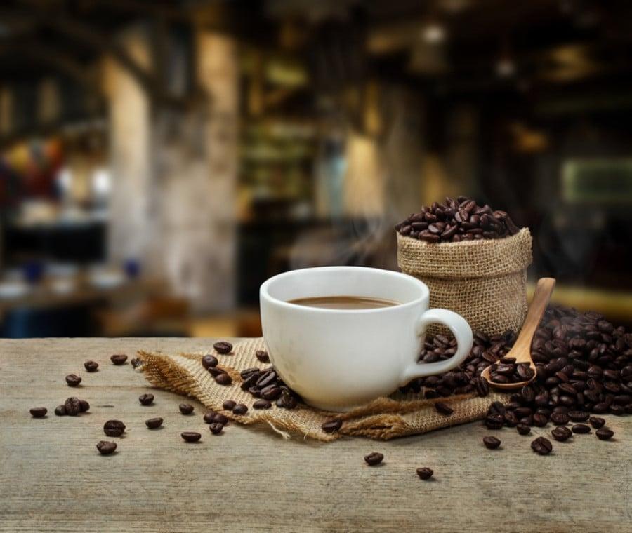 Caffè: Riepilogo di Proprietà e Rischi