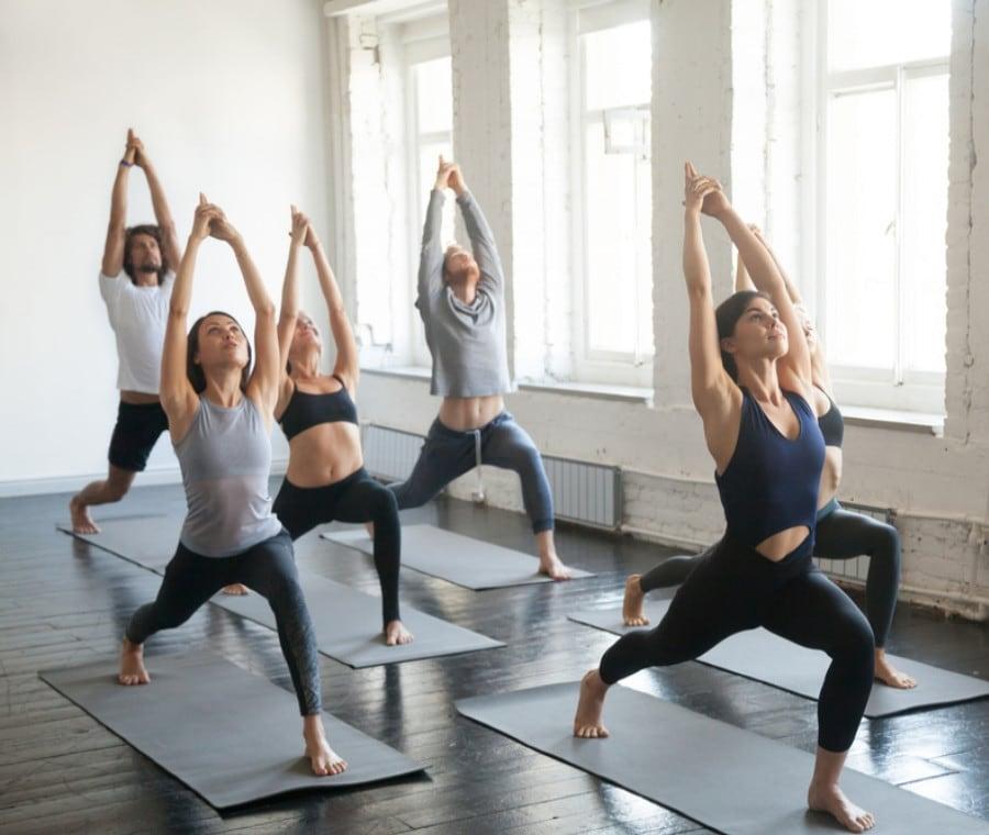 Yoga: Benefici e Controindicazioni