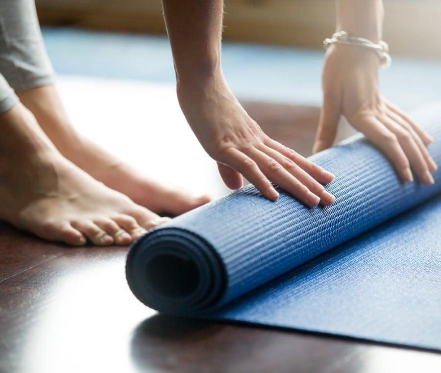 Attrezzi per lo Yoga per migliorare le posizioni e come usarli