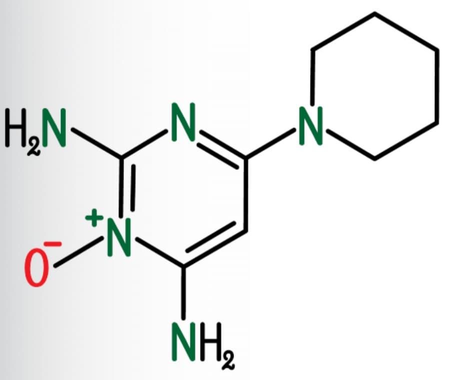 Minoxidil e Capelli: Cos'è e A Cosa Serve