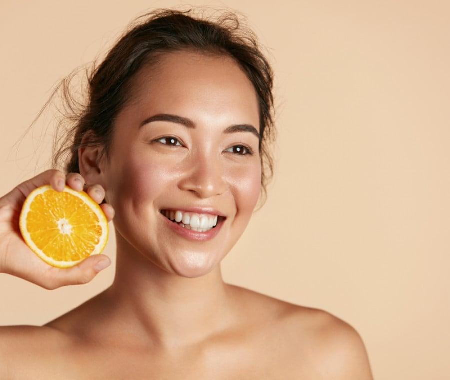 Vitamina C per la Pelle: Cos'è? Funziona?