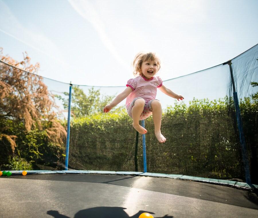 Miglior Trampolino Elastico da Giardino: 5 Tappeti Elastici da per Bambini e Adulti