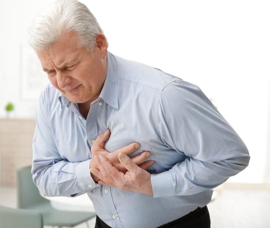 Dolore al Petto Sinistro: Cause e Quando Preoccuparsi