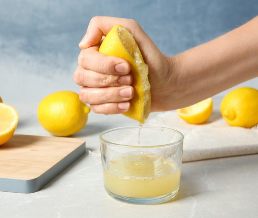 Succo di Limone: Benefici e Miti da Sfatare