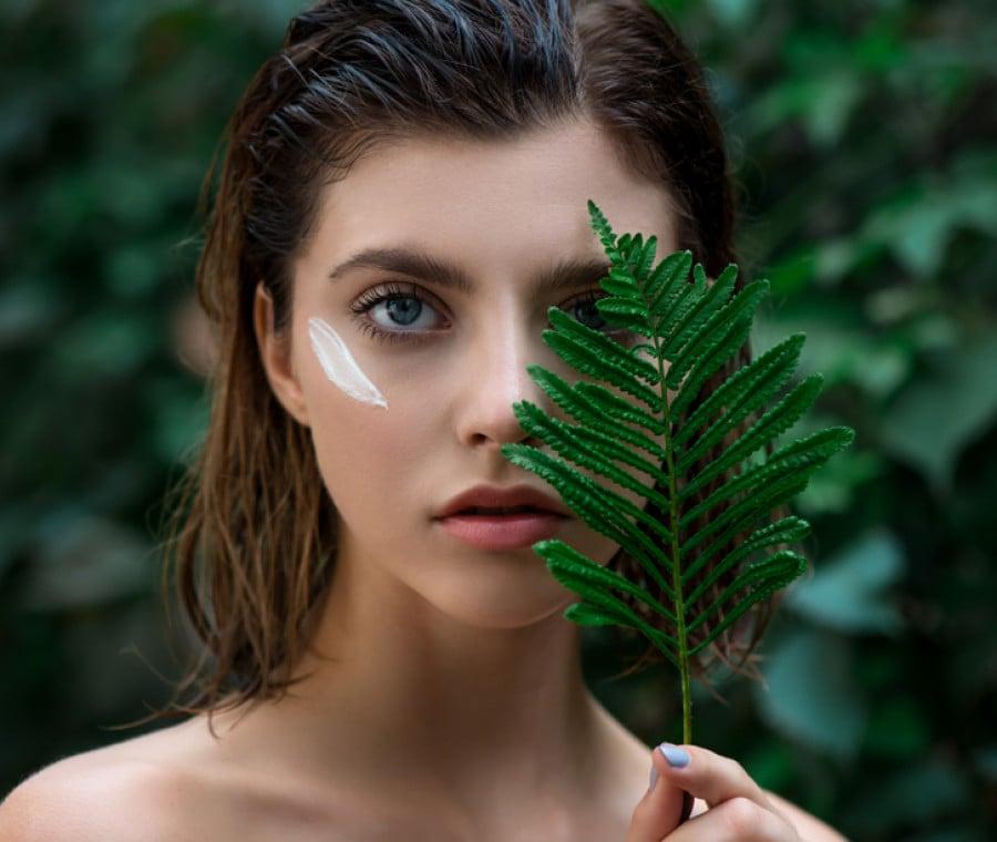 Peeling Cosmetico: Cos'è, A Cosa Serve, Tipi e Risultati