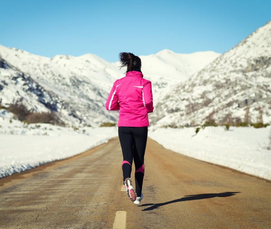 Abbigliamento Running Inverno 2021: come vestirsi per correre quando fa freddo