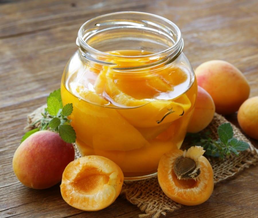 Frutta Sciroppata: Proprietà Nutrizionali e Ruolo nella Dieta