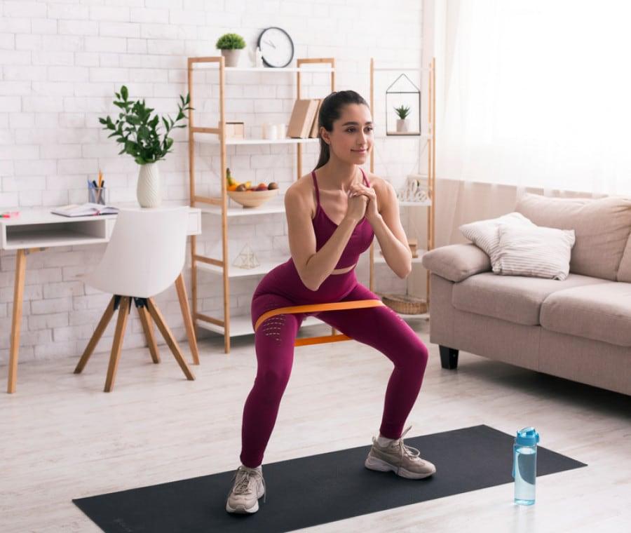 Squat con le bande elastiche di resistenza: Esercizi efficaci