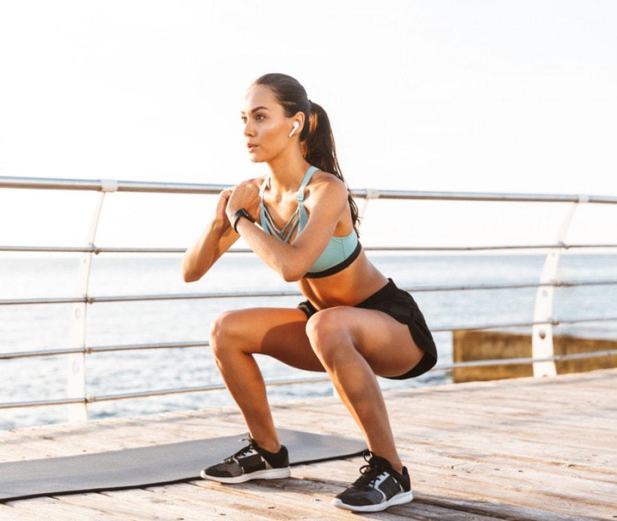 Quante calorie si bruciano davvero facendo gli squat