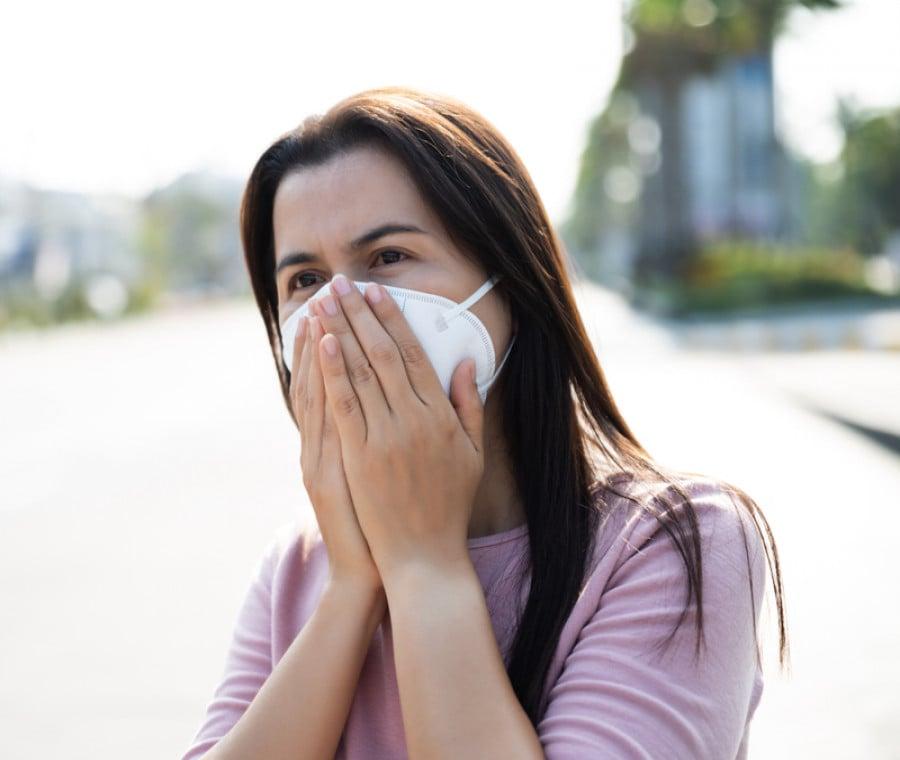 Mascherine e allergie ai pollini: come comportarsi?