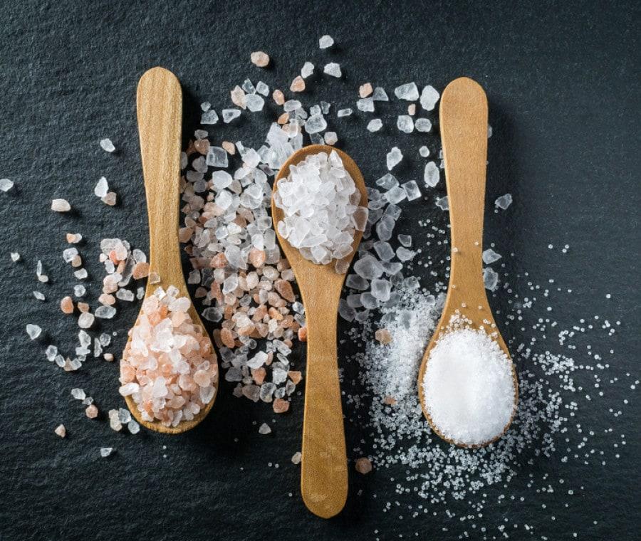 Consumo di Sale Eccessivo: Sintomi di una Dieta Troppo Salata