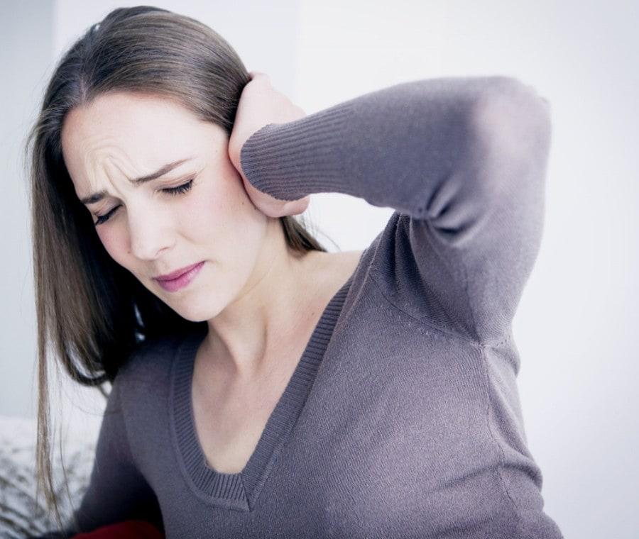 Dolore alle Orecchie - Otalgia: Cause e Rimedi