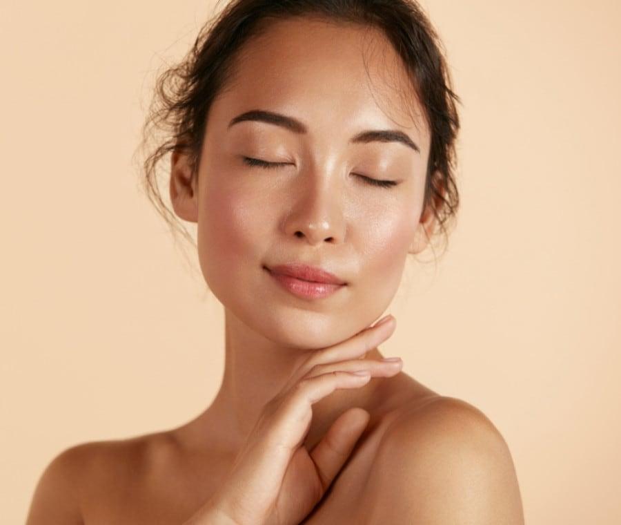 Consigli per una Pelle Luminosa: Regole della Glowing Skincare
