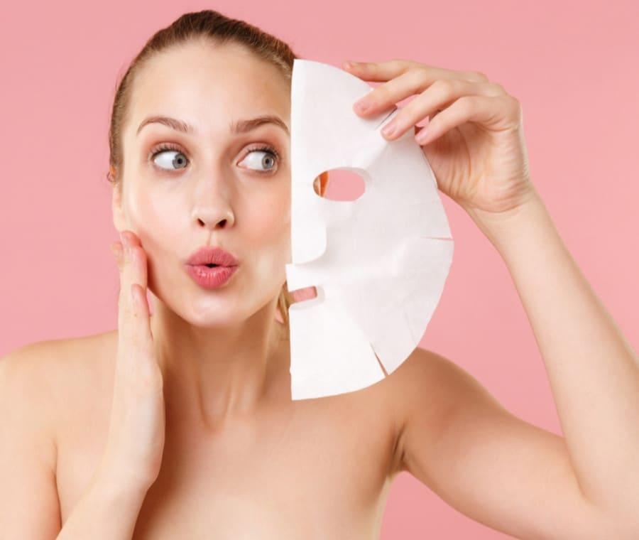 Maschera Viso all'Acido Ialuronico per una Pelle più Luminosa