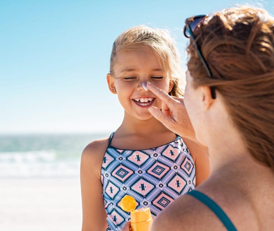 Crema Solare per Bambini: le Migliori per la pelle di Neonati e Bimbi piccoli