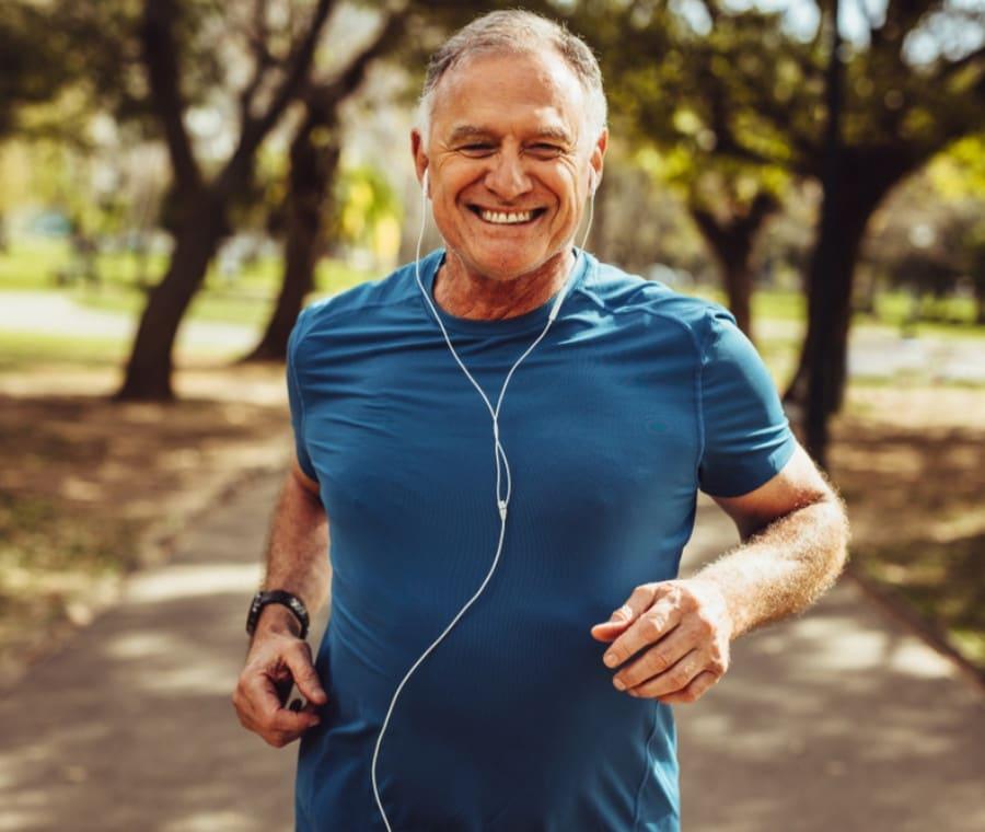 Movimento e Nutrizione: Come Rimanere Agili Dopo i 60 Anni