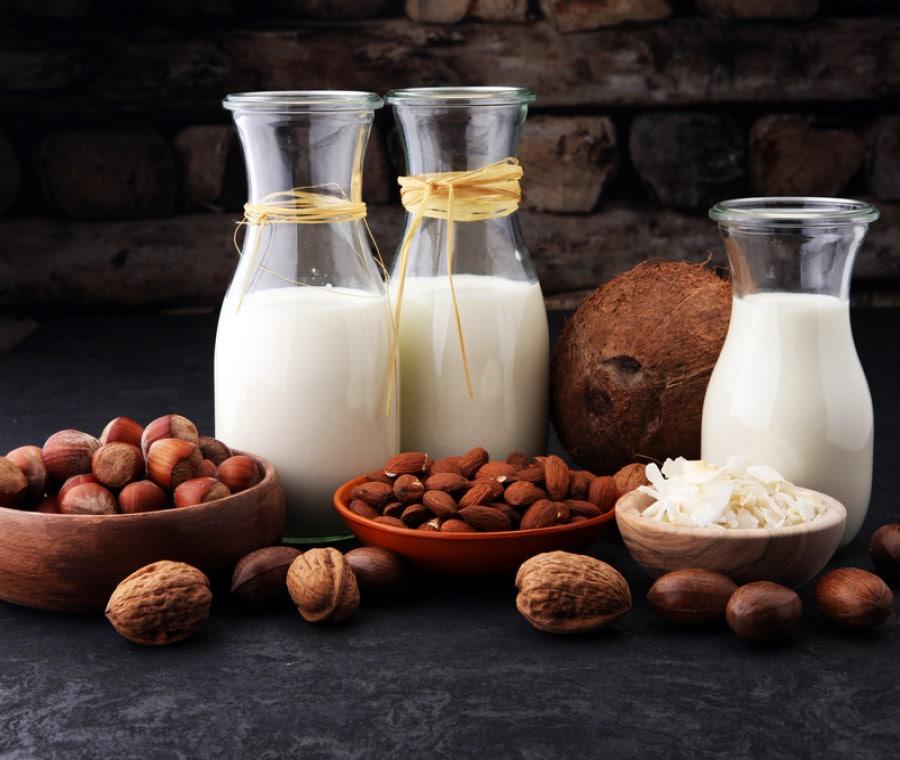 Bevande vegetali di soia, riso, avena e mandorle: perché non si dice più latte?