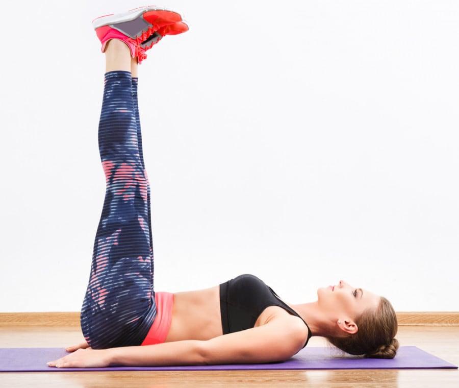 Sollevamenti gambe: come farli correttamente e gli errori da evitare