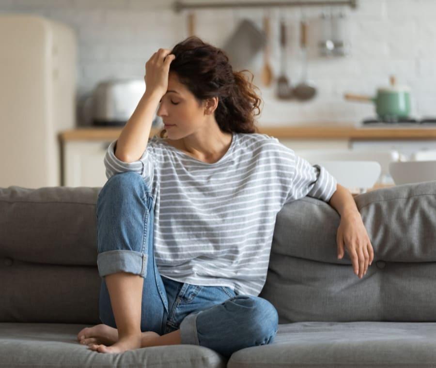 Mal di Testa da Ormoni: Emicrania e Ruolo degli Ormoni