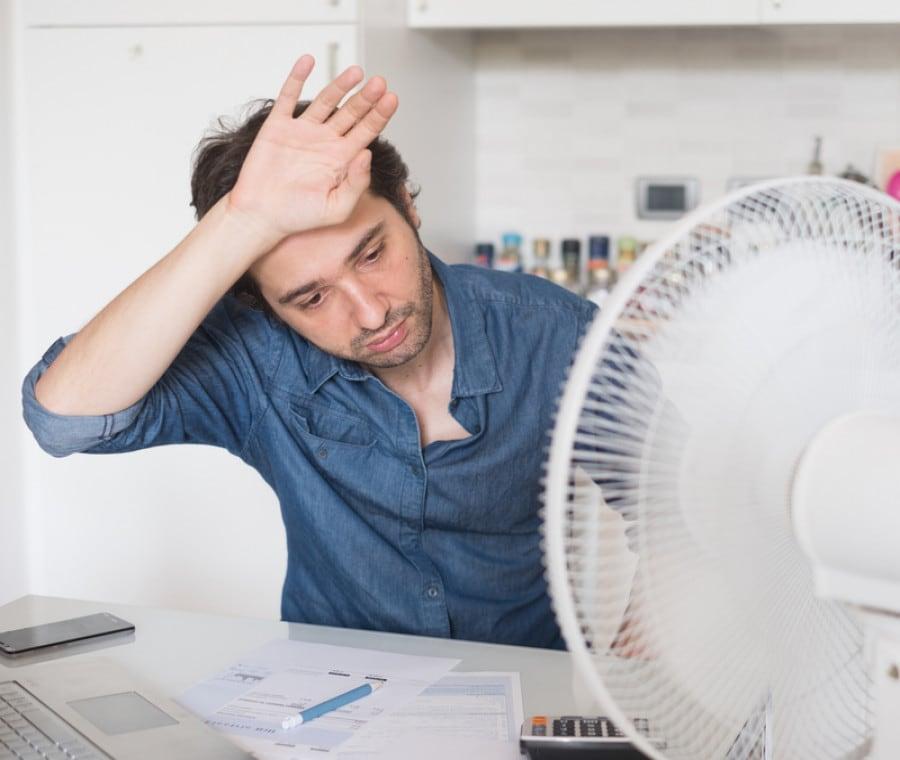 Vampate di calore negli uomini: cause, sintomi e trattamenti