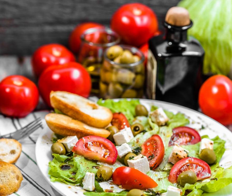 Dieta Mediterranea Verde: Cos'è, Come Funziona e Benefici della Green Med