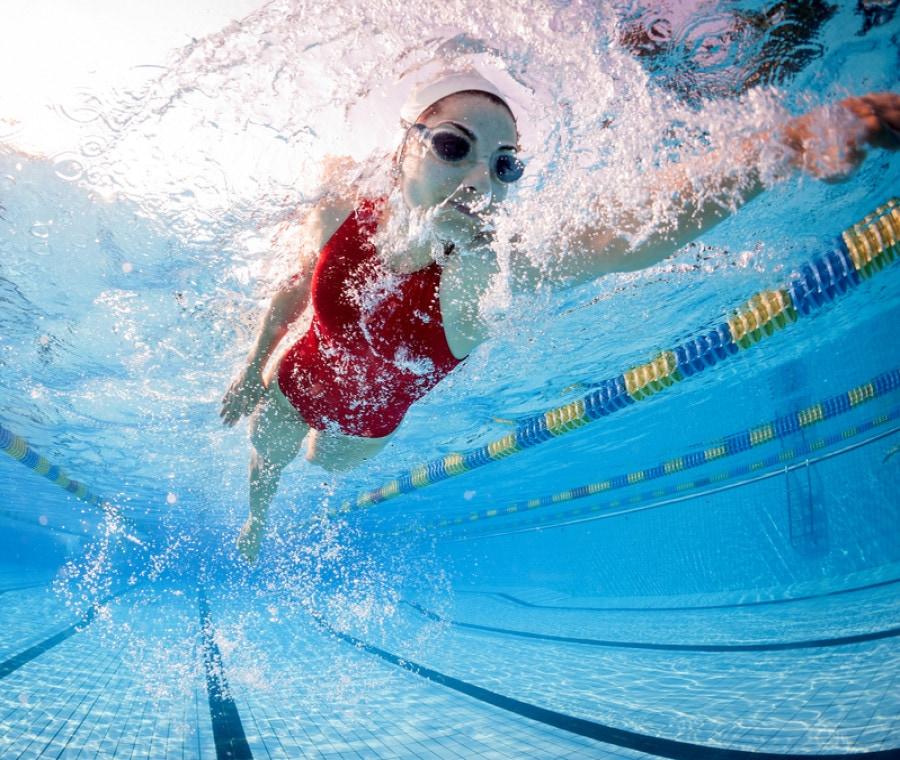 Come nuotare per bruciare calorie