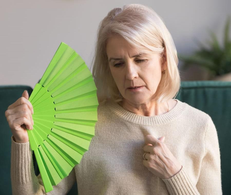 Ormoni e Menopausa: Come Cambia l'Attività Ormonale