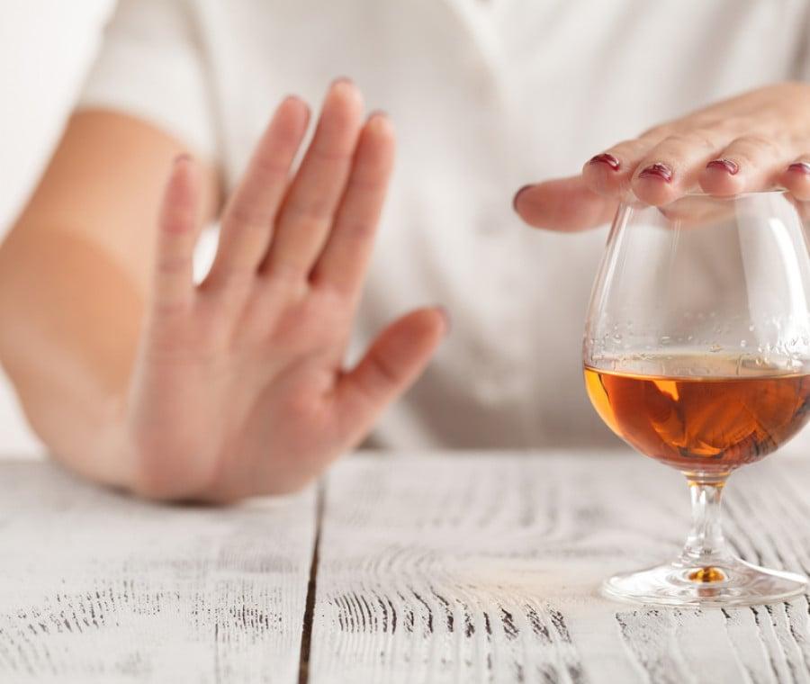 Alcol e danni al cervello: le età più a rischio