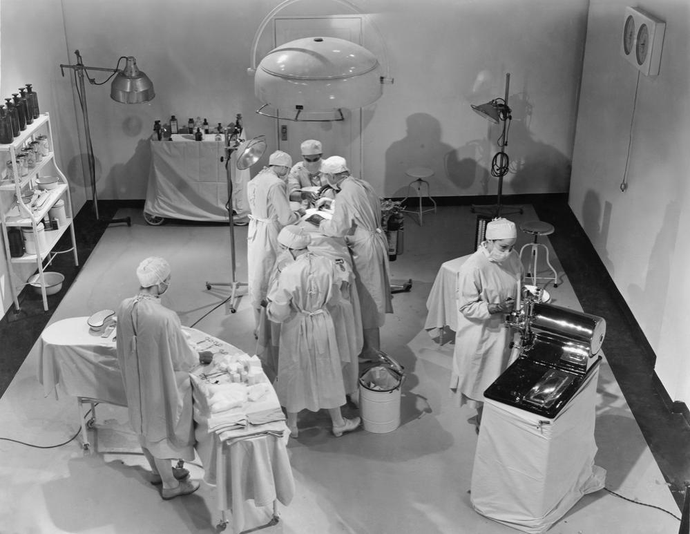 Intervento chirurgico degli anni '60