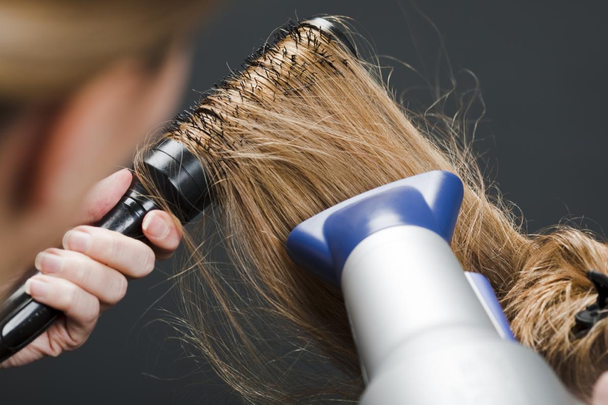 Come asciugare i capelli