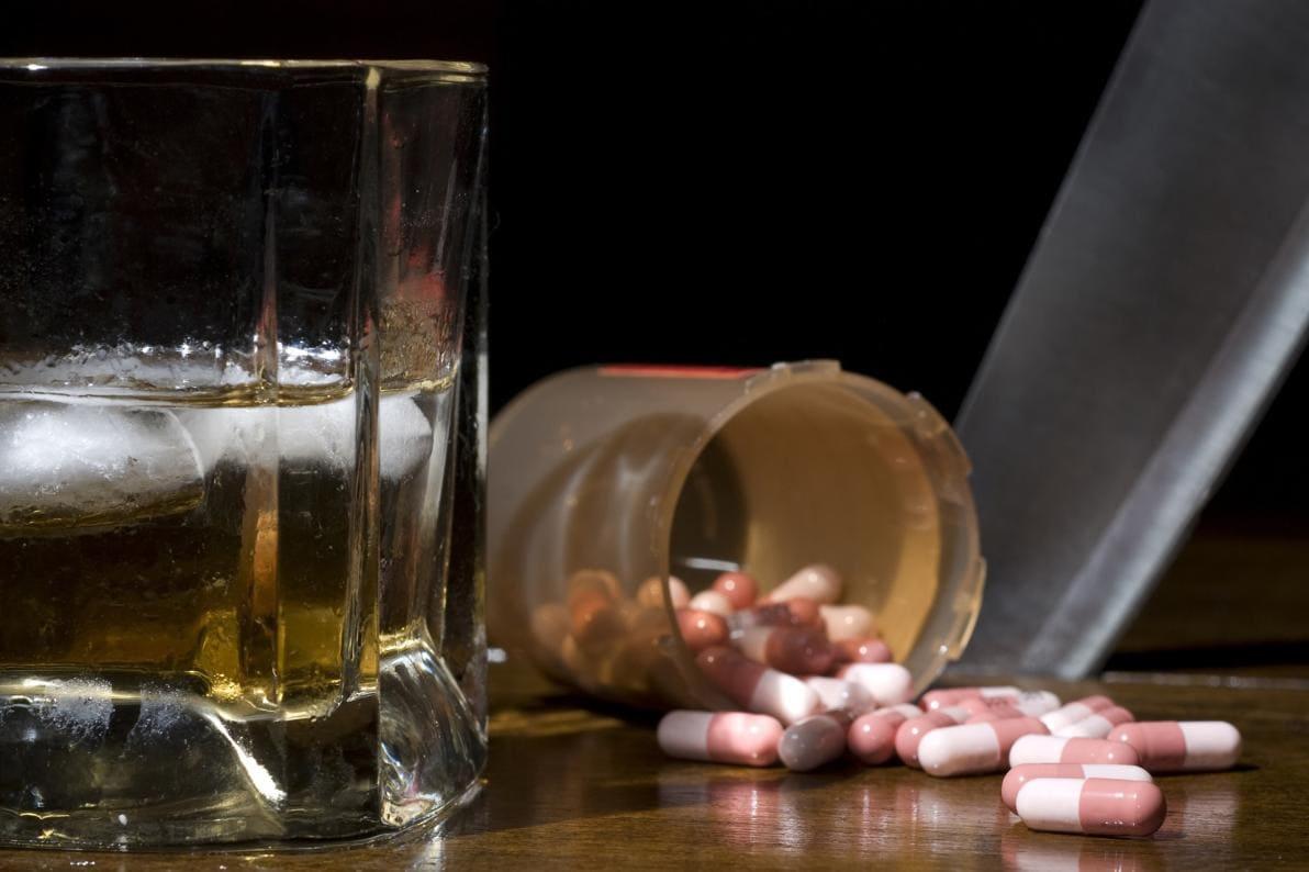 Perché non assumere alcool insieme ai farmaci?