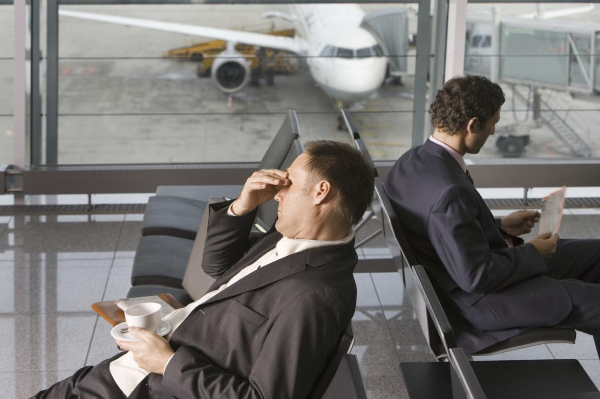 Mal di testa d'aereo: come si manifesta