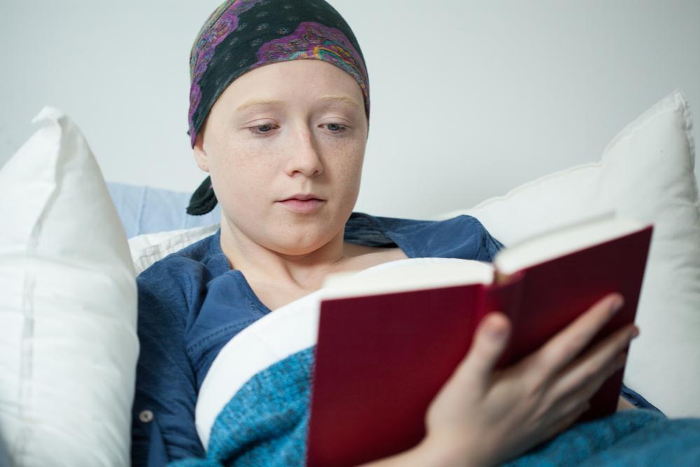 Donna malata di cancro