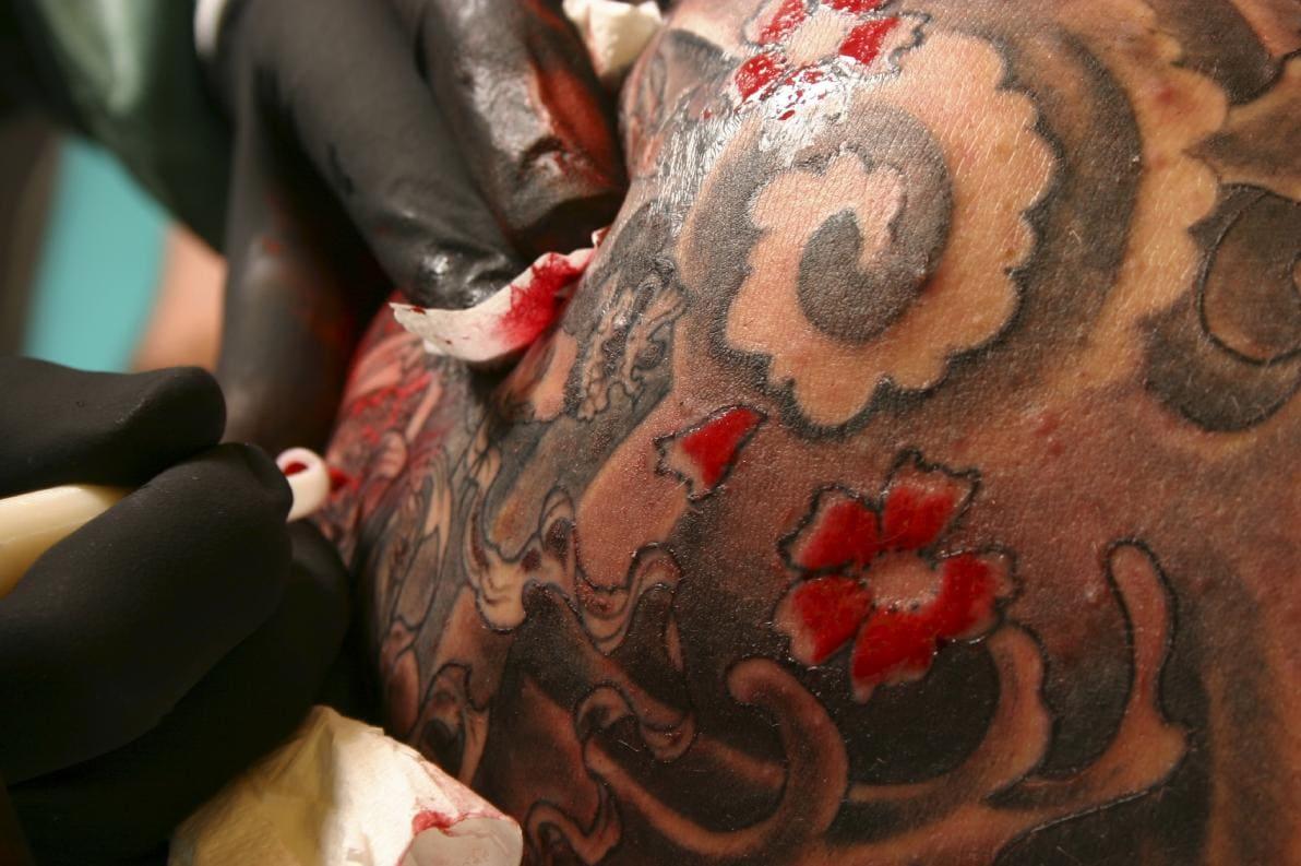 Tatuaggi: reazioni cutanee avverse