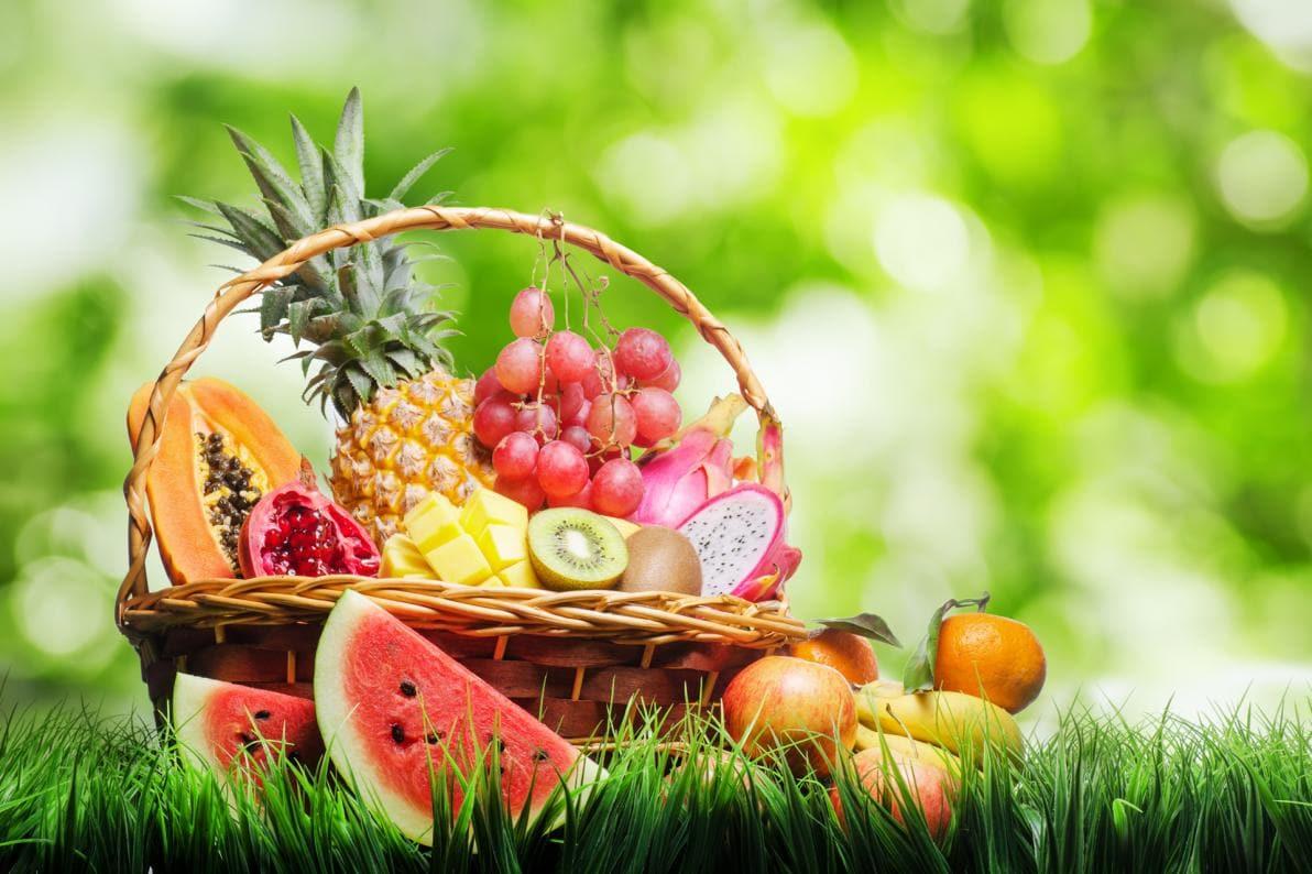La frutta riveste un ruolo importante nella dieta d'estate