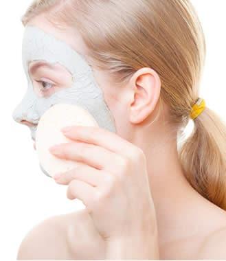Come liberarsi da piccolo pigmentary nota su una faccia