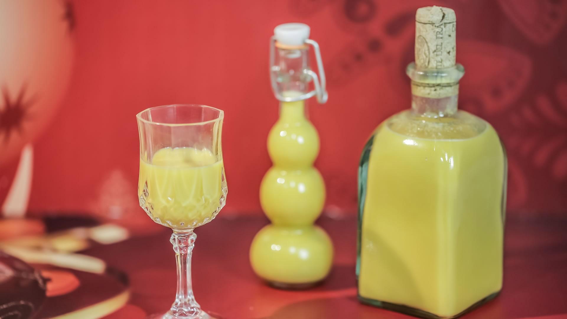 Foto Liquore all'Uovo - Vov