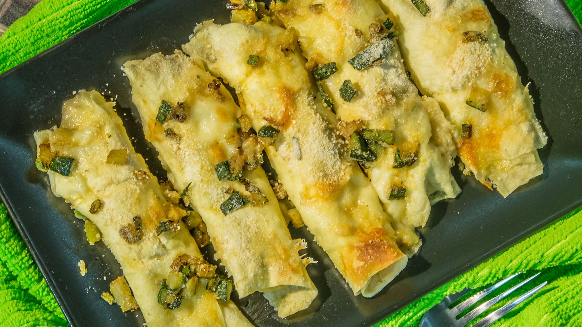 Foto Cannelloni di Pane Carasau al Salmone