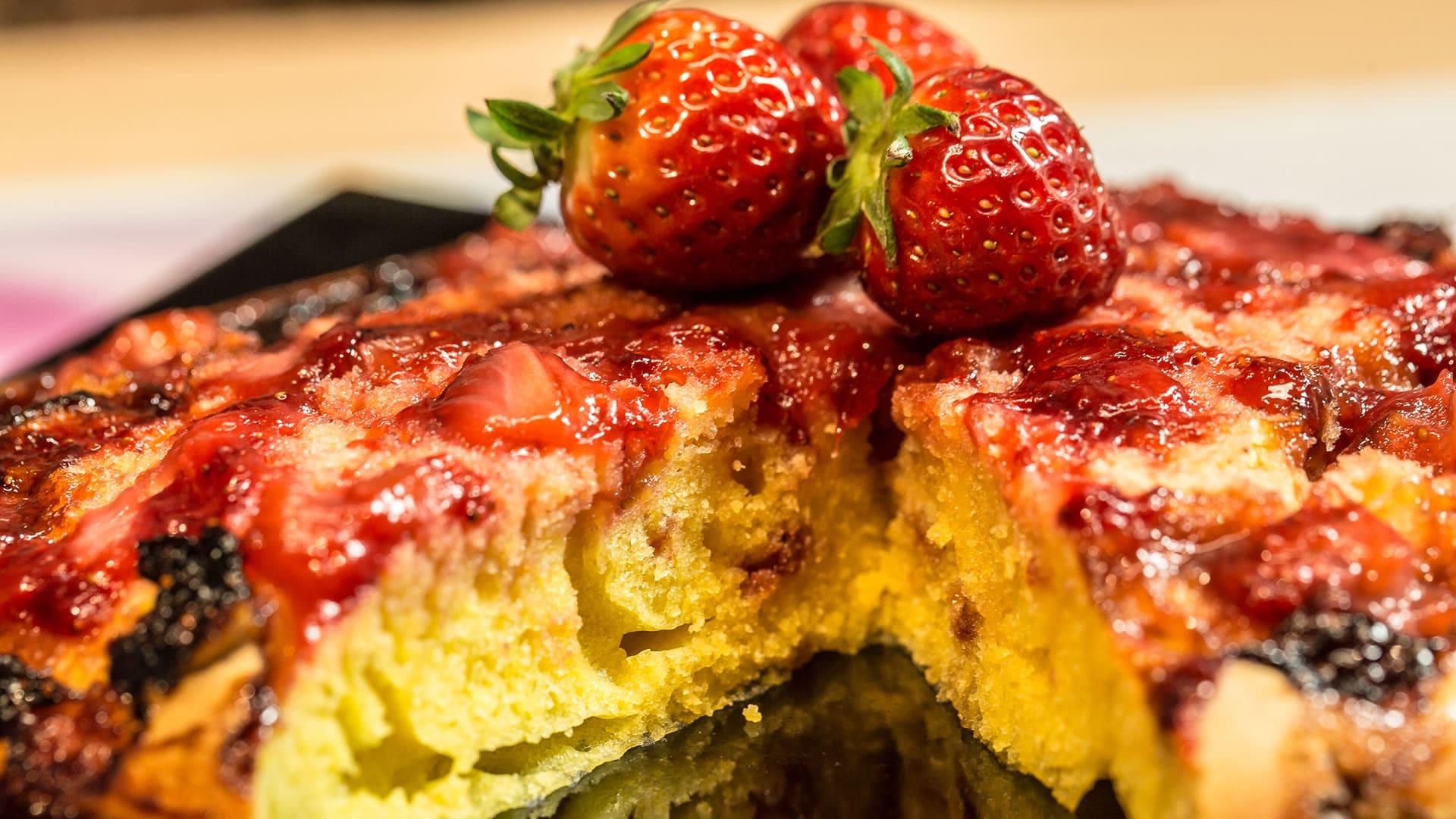 Foto Torta Rovesciata alle Fragole in Padella