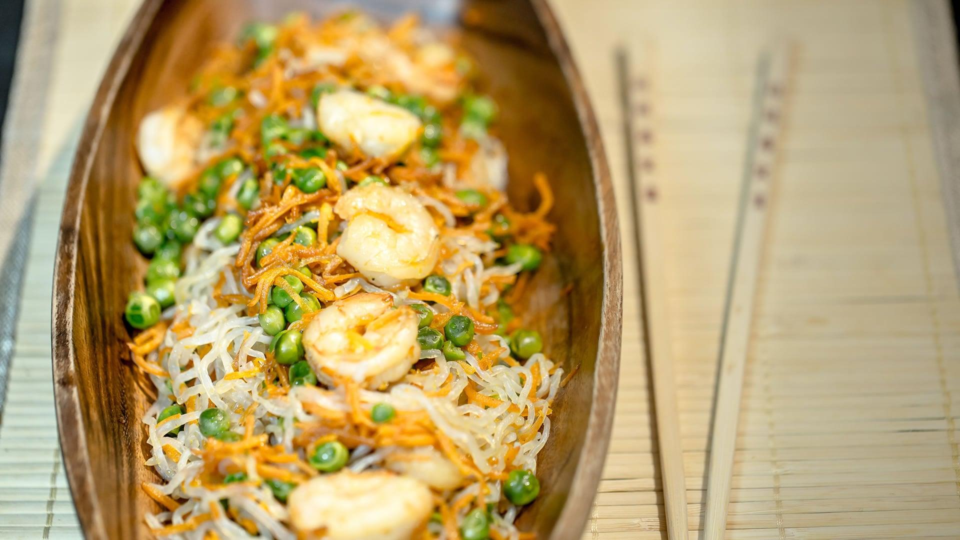 Foto Spaghetti Cinque Calorie con Gamberi e Piselli - Shirataki o Konjac Noodles