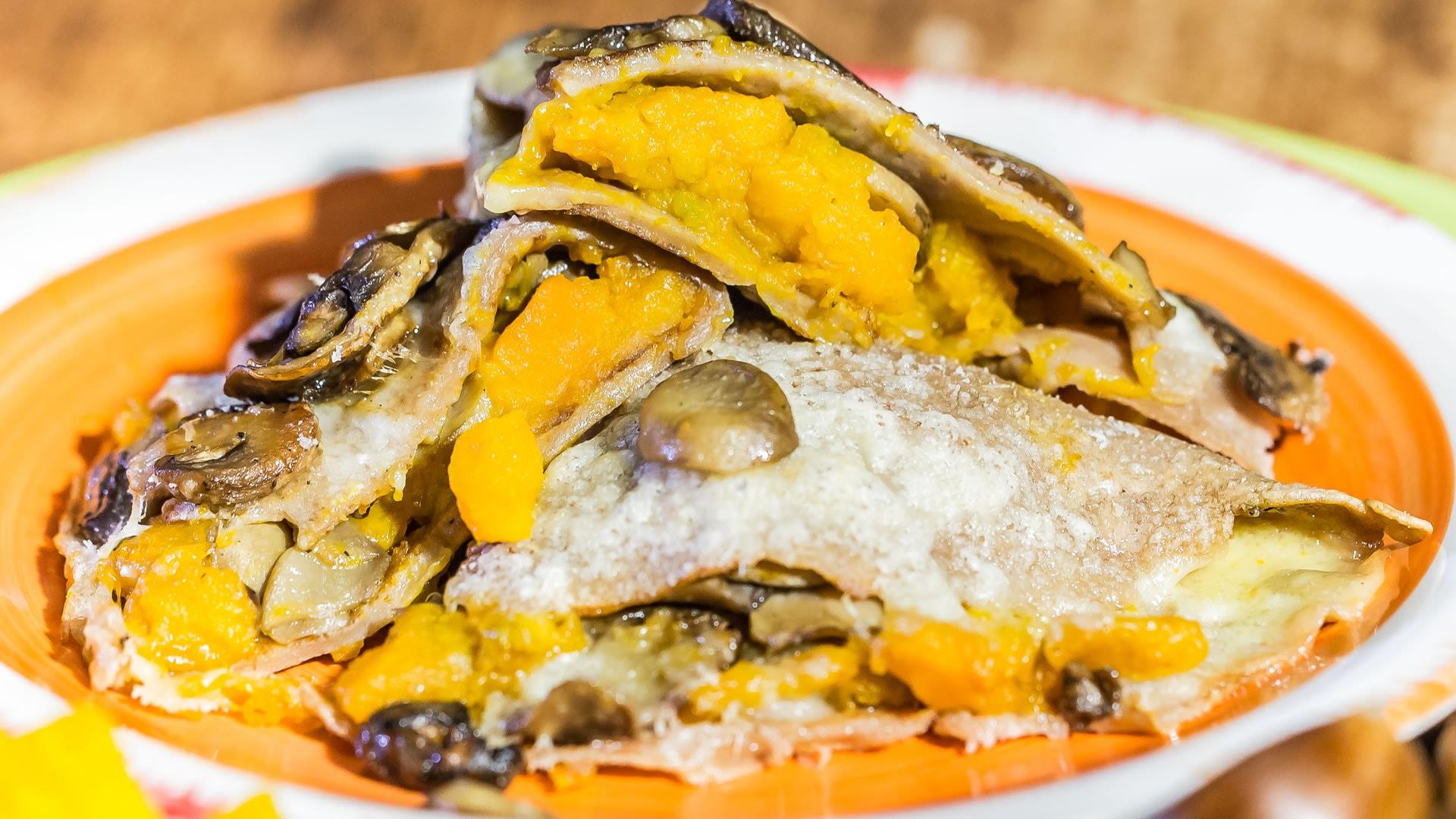 Foto Crepes di Castagne con Zucca e Funghi - Senza Uova e Gluten Free